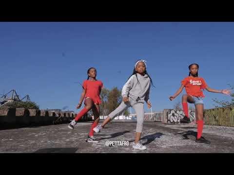 أروع رقص في إفريقيا thumbnail