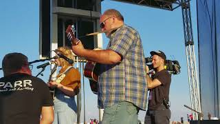 Download Lagu Maddie sings with dad Gratis STAFABAND