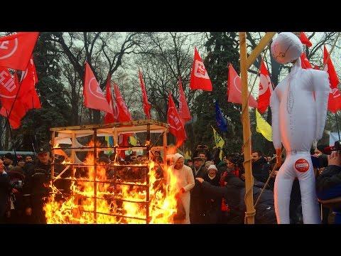 Балашов сжигает чучело Яценюка под ВР #storeall