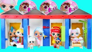 LOL Unicorn Family Play Hide & Seek in Playmobil Families Changing Room