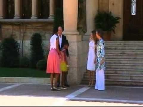 King Juan Carlos reprove Queen Sophia during Obama's visit - 8 August 2010