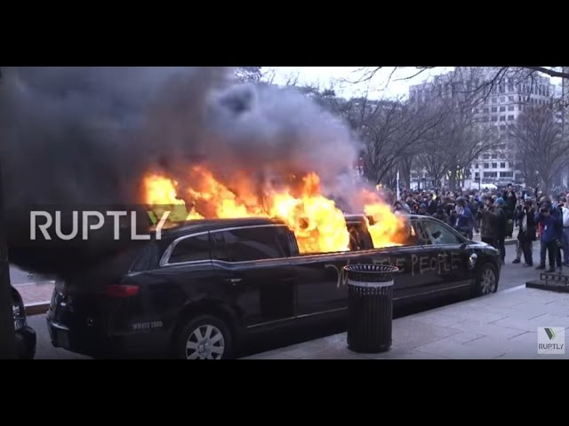 USA: Limo set ablaze during anti-Trump protest