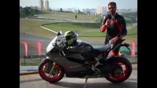 Ducati 1199 Panigale S Senna acelerando em Interlagos
