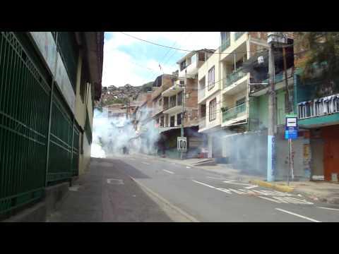 PELEAS EN SILOÉ MOTORRATONES VS POLICIA DE CALI.