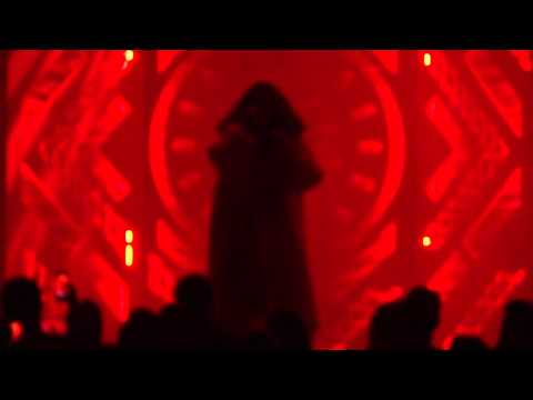 Lorde - Flashing Lights (kanye West Cover) - The Mann Center, Philadelphia, Pa-9 5 14 video