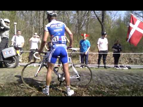 Tom Boonen Paris-Roubaix 2011 Arenberg