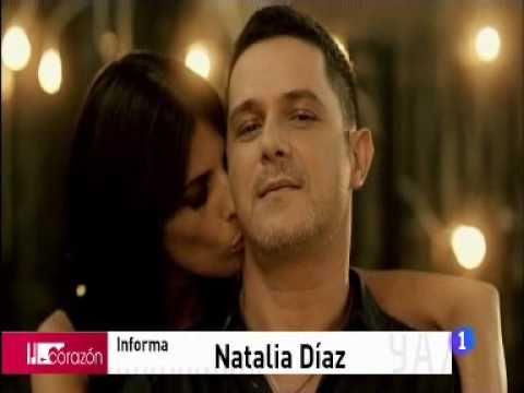 http://www.rtve.es/noticias El cantante Alejandro Sanz y la actriz Maribel Verdú protagonizan un espectacular vídeoclip para la canción 'Lola soledad'. No so...