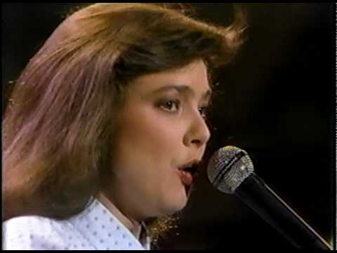 Nanci Griffith - Ford Econoline (1986)