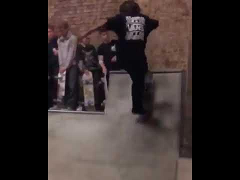 @jthaxx_hys at @houseofvansldn 🔥 via @getlesta | Shralpin Skateboarding