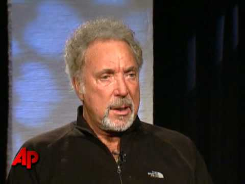 Tom Jones Admits He's a 'ladies Man'