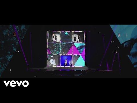 Sasha, Benny Y Erik Ft Maluma – Fantasma (Live) videos