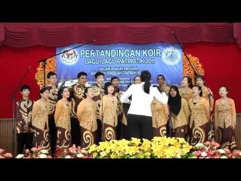High School Choir---- Malaysia Tanah Airku + Cemerlang,gemilang, Terbilang video