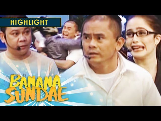 Banana Sundae: Mayor Jason receives death threat!