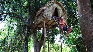 Build Tree House Bamboo in Wild