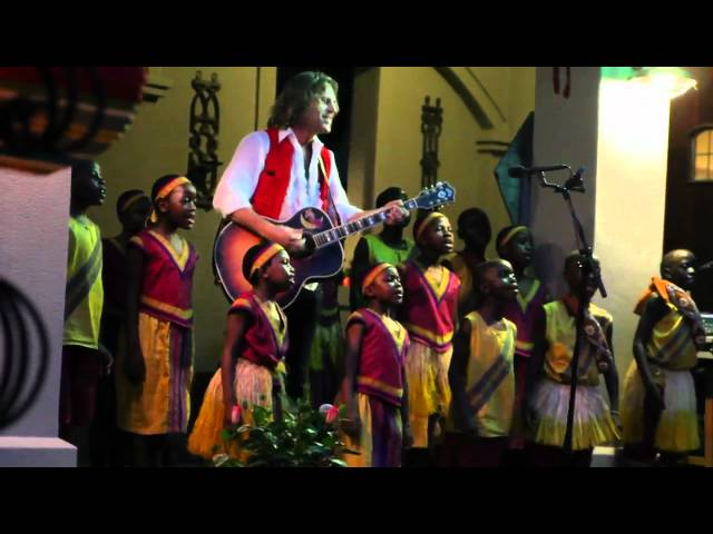 &quot;Wake Up&quot; live wih the African Children&#039;s Choir