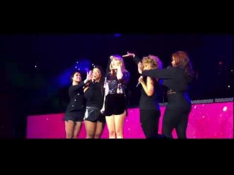 Taylor Swift - Gorgeous (Live Debut) Jingle Bash 2017