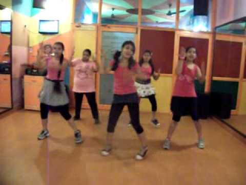 Tumhi Ho Bandhu cocktail Dance Performance By Step2step Dance Studio, 9888697158.flv video