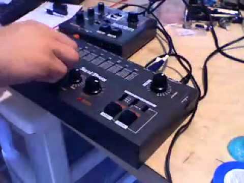 Soundmaster Stix ST-305 vs SR88