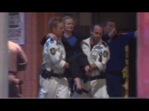 Police storm Lindt cafe in Sydney (FULL VIDEO)