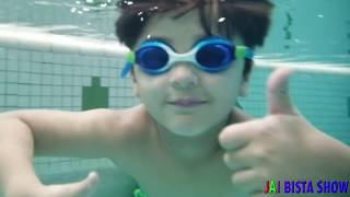 Diving down for Disney Cars | Pretend Play with Cars | Swimming Underwater