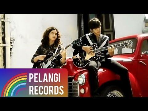 Ahmad Bersaudara - Jika Kau Percaya (Official Music Video)