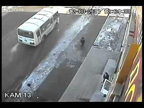 ДТП жесть c пешеходом на камеру видеонаблюдения