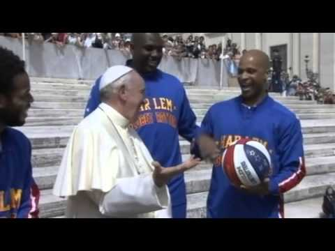 Pope tries his hand at basketball with Harlem Globetrotters
