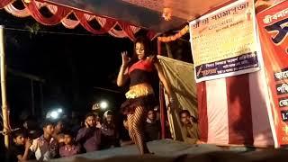 kolkata hot and sexy dance with bhojpuri song...local desi girl..