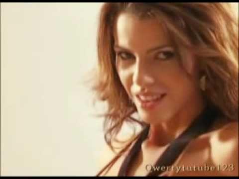 Lola Becerro - Backstage Hot - Calentando