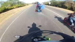 බයික් වලින් වැඩ දාන්න යනවා නම් මේකත් බලලා ඉන්න !! Double wheelie - double crash