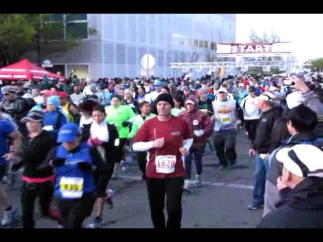 Start of Modesto Marathon, Half-Marathon