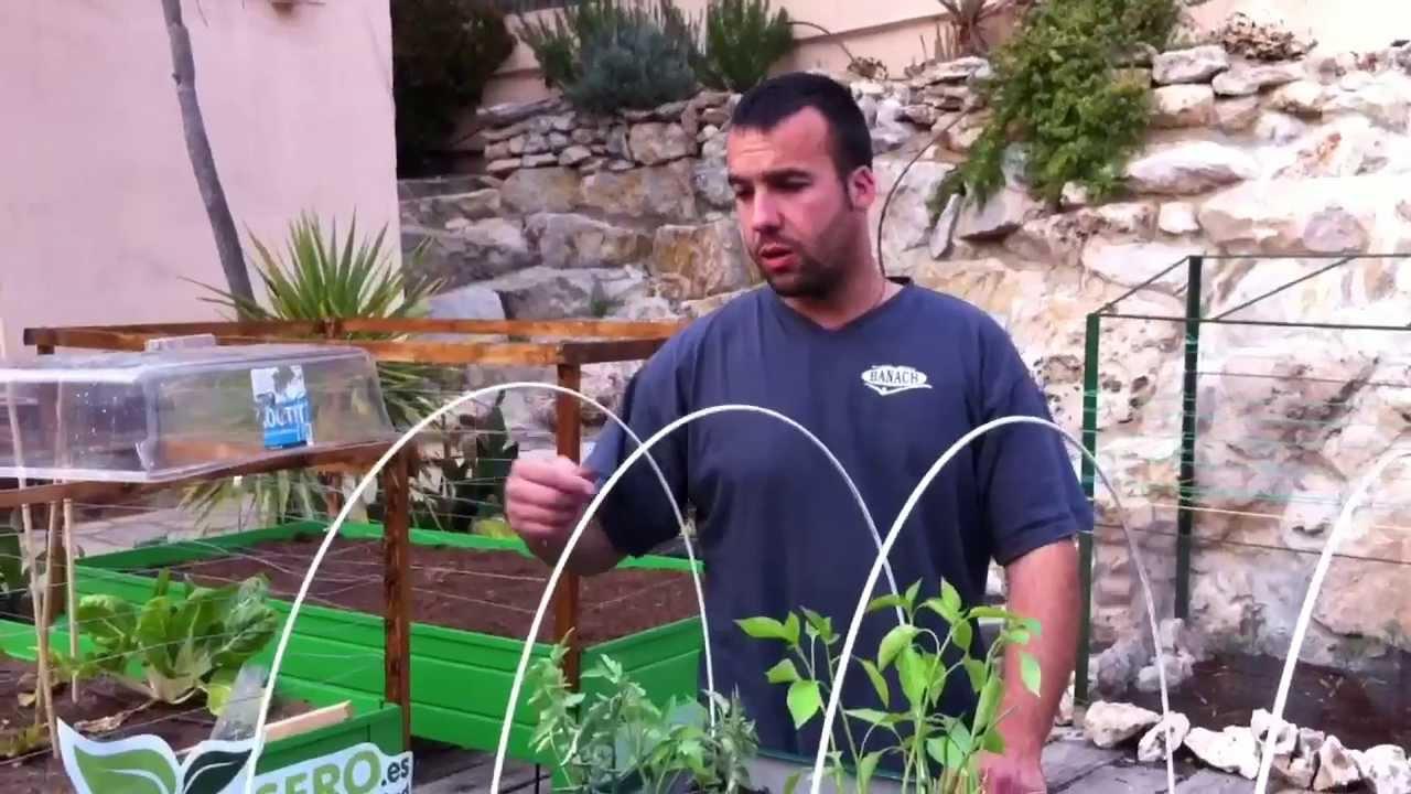 Creaci n de un huerto casero en una mesa de cultivo youtube for Construir mesa de cultivo