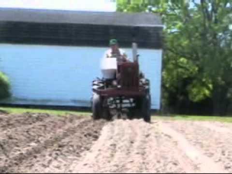Farmall 140 Farming