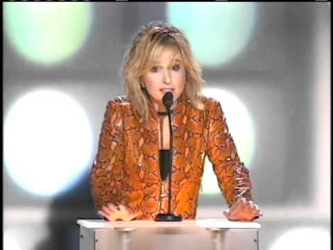 Melissa Etheridge inducts Bonnie Raitt Inductions 2000