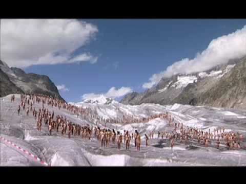Hundreds strip naked on glacier in global warming protest