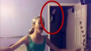 Fantasma aparece atrás na imagem