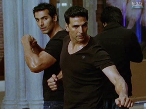John & Akshays fight scene - Housefull 2