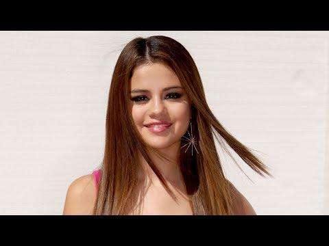 Selena Gomez in Beach thumbnail