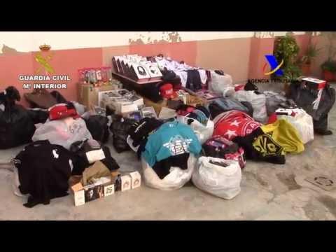 Incautan falsificaciones, cocaína y alimentos en mal estado en el puerto de Palma
