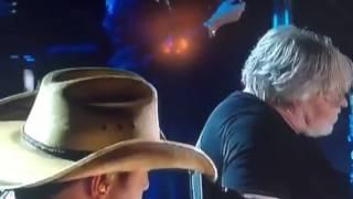Download Lagu Jason Aldean CMT with Bob Seger Against The Wind Gratis STAFABAND