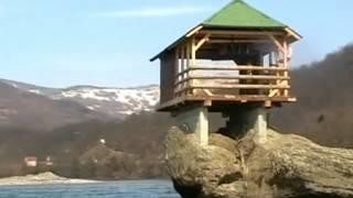 Домик на реке Дрина (Сербия)