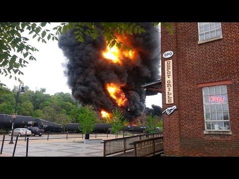 Train Wreck/Derailment Fire - Lynchburg, Virginia