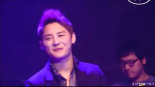 Watch Xiah Junsu Around And Around video