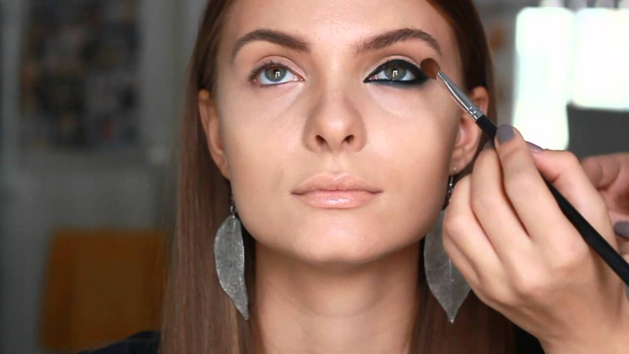 Cat eyes makeup tutorial
