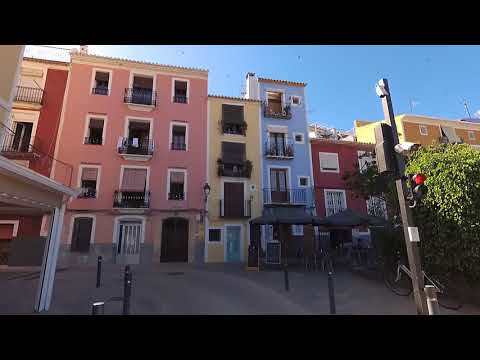 Caminando en Villajoyosa - Walking street, beach Villajoyosa Spain