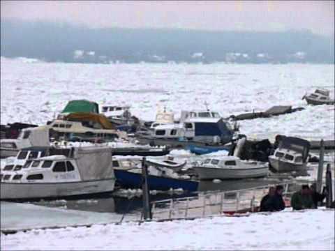 Led na Dunavu 19.02.2012 - Danube river ice in Zemun, Serbia