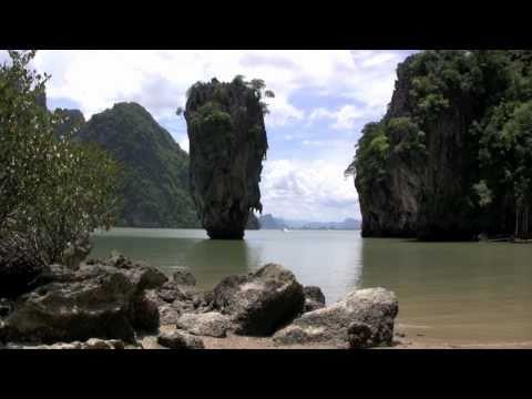 Descubrir e Parque Nacional de la Bahía de Phang Nga a bordo de un junco tradicional chino es una de las excursiones de mayor interés e imprescindibles que r...