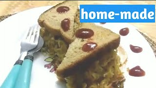 Maggi Noodles Omelette on Brown Bread