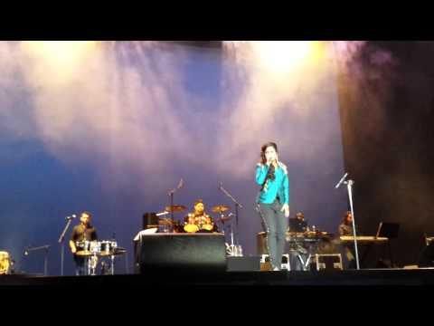 Shreya Ghoshal - Waqt Ne Kiya Kya Haseen Sitam live in Holland...