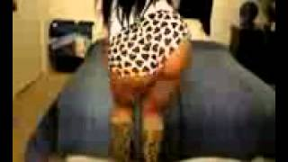 Nicki Minaj twin sister twerking - ass shake (SUBSCRIBE)